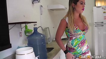 Porno brasileirinhas loira greluda transando no pelo
