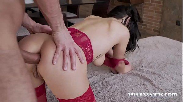 super pica gostosa morena fazendo um bom porno de quatro