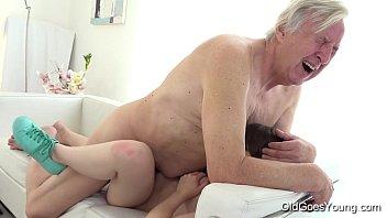 Xvideo incesto tio comendo a sobrinha novinha